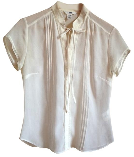Preload https://item3.tradesy.com/images/h-and-m-whitecream-bohemian-blouse-size-6-s-526052-0-0.jpg?width=400&height=650