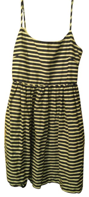 Preload https://item2.tradesy.com/images/jcrew-navy-stripe-nautical-knee-length-short-casual-dress-size-8-m-5261971-0-0.jpg?width=400&height=650