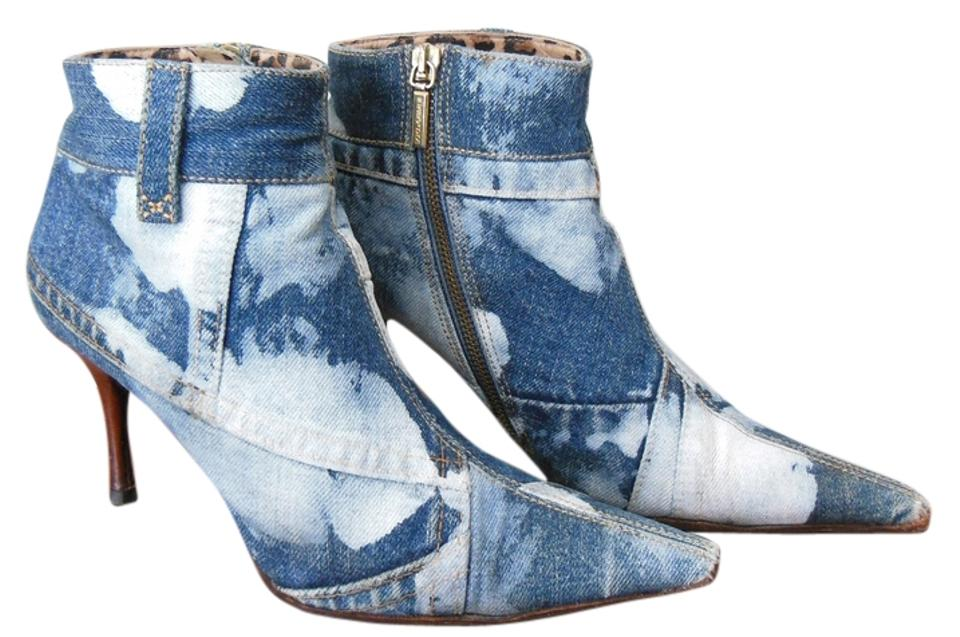 acd749bcae50 Dolce&Gabbana Blue Denim D&g Distressed Zip Up Women's Ankle Boots/Booties