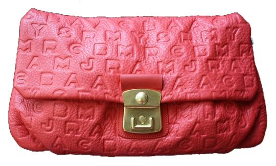 Preload https://item4.tradesy.com/images/marc-by-marc-jacobs-dreamy-linda-logo-embossed-coral-leather-clutch-5264173-0-0.jpg?width=440&height=440