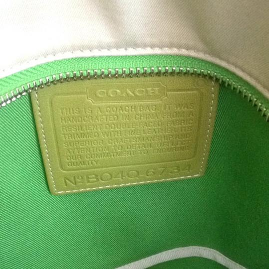 Coach Tote in Beige/green