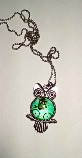 Other Owl Pendant Necklace Green Silver Tone 26 inch Long J1159
