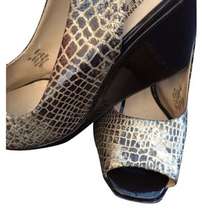 Kenneth Cole Animal Print Giraffe Embossing Leather Patent Heel Sexy Brown with Gold highlights and G Wedges