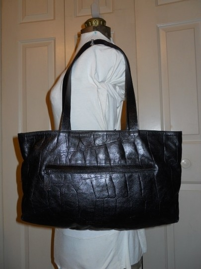 Falor Leather Tote in black