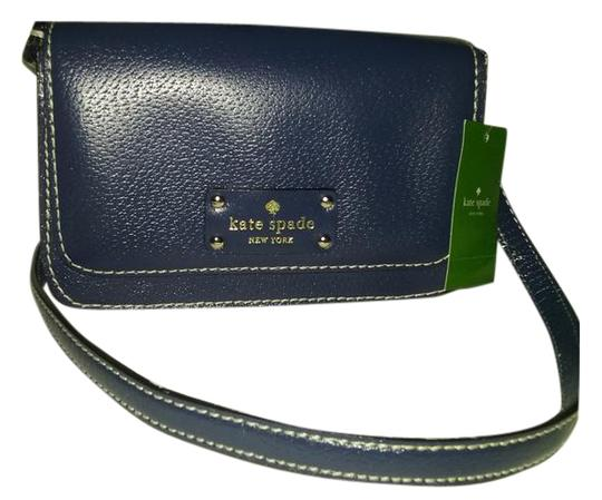 Preload https://item1.tradesy.com/images/kate-spade-with-3-bonuses-small-flynn-in-french-navy-cross-body-bag-527120-0-4.jpg?width=440&height=440