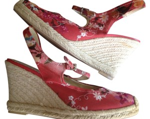 Franco Sarto Embroidered Floral Close Toe Red Wedges