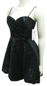 Hailey Logan New Sequin Embellished Party Prom Size 5 6 Junior Women Girls With Tag Nwt Flower Accent Wait Strap Dress