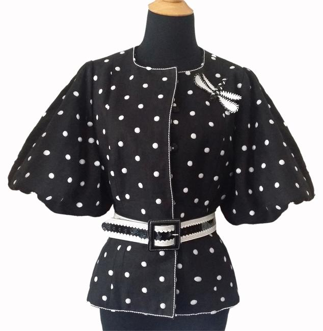 Preload https://item1.tradesy.com/images/andrew-gn-blackwhite-top-cardigan-size-8-m-5280265-0-0.jpg?width=400&height=650