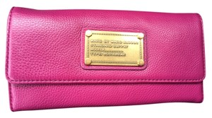 Marc by Marc Jacobs Marcbymarc Wallet Trifold Fuscia Leather Pink Purple Fuchsia Clutch