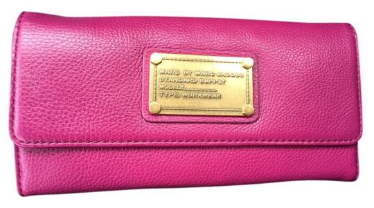 Preload https://item5.tradesy.com/images/marc-by-marc-jacobs-tri-fold-wallet-fuchsia-leather-clutch-5283859-0-0.jpg?width=440&height=440