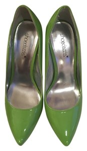 ShoeDazzle Neon Green Pumps