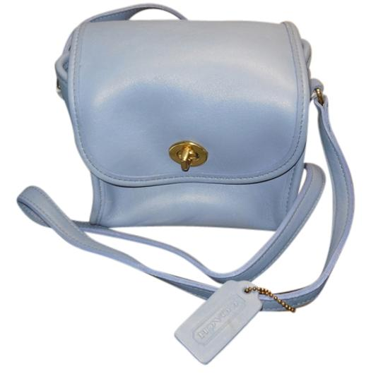 Preload https://item2.tradesy.com/images/coach-cube-style-periwinkle-leather-cross-body-bag-5285011-0-0.jpg?width=440&height=440