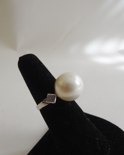 Pearlfection Pearlfection .925 Faux White South Sea Pearl Ring Size 8