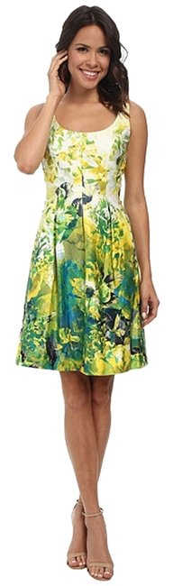 Item - Sunshine Combo Fit and Flare Mid-length Short Casual Dress Size 4 (S)