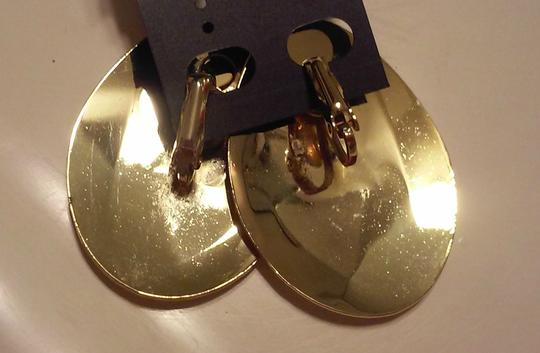 Other Beautiful Vintage Gold Tone Clip On Earrings