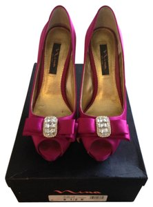 Nina Fuschia Pumps