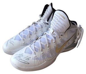 Nike White & Gold Athletic