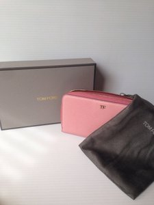 Tom Ford TOM FORD NWT PINK LEATHER ZIP AROUND LOGO CONTINENTAL WALLET