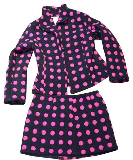 Preload https://item4.tradesy.com/images/black-and-hot-pink-skirt-suit-size-6-s-5288413-0-0.jpg?width=400&height=650