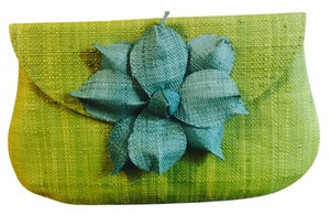 Mar Y Sol Green Clutch