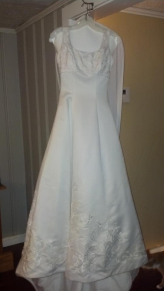 Gloria vanderbilt wedding dress tradesy for Gloria vanderbilt wedding dress