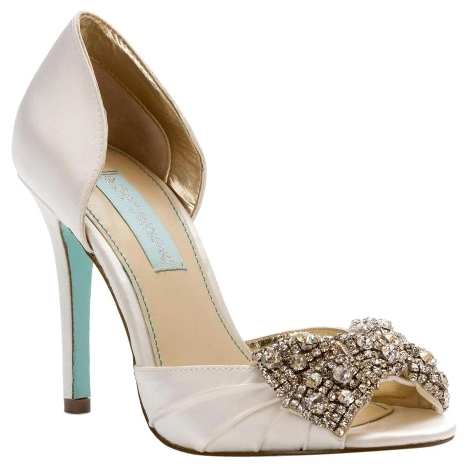 Betsey Johnson Ivory Blue By Gown Satin Bridal Heels Pumps Size US 7 ...