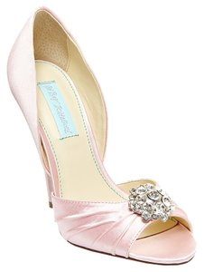 Betsey Johnson Blue By Gia Pink Pumps