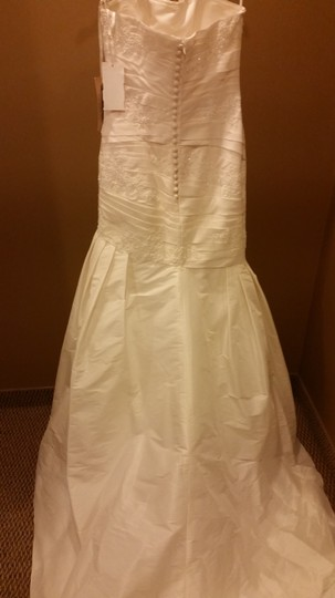 St. Patrick Off White Taffeta and Lace Coctel Feminine Wedding Dress Size 10 (M)