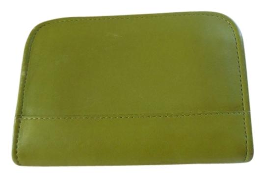 Preload https://item1.tradesy.com/images/coach-lime-green-leather-card-case-wallet-5292490-0-0.jpg?width=440&height=440