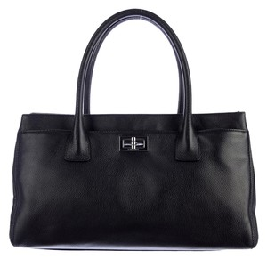 Chanel Executive Cerf Caviar Tote in Black