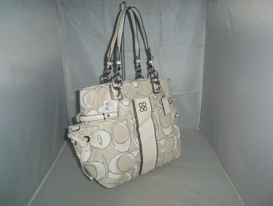 Coach Tote in Silver / Cream