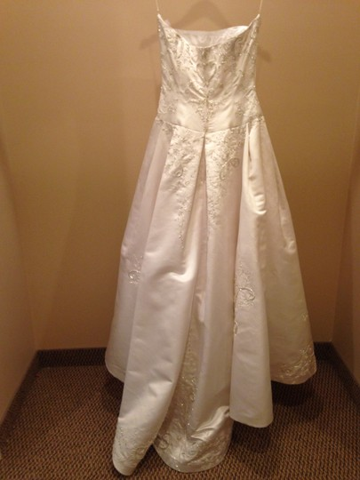 Valentina White Satin V198 Traditional Wedding Dress Size 12 (L)