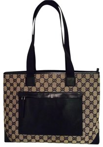 Gucci With Front Pocket Tote in Black