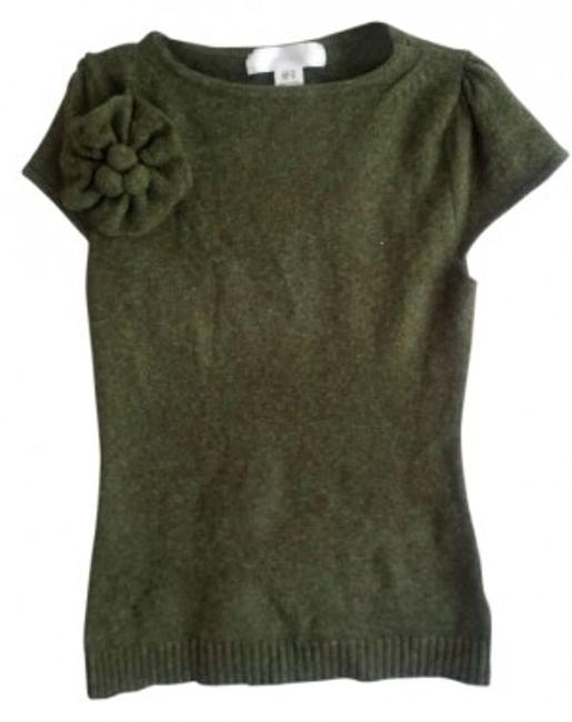 Preload https://item2.tradesy.com/images/mac-and-jac-forest-green-shirt-with-flower-detail-sweaterpullover-size-8-m-5296-0-0.jpg?width=400&height=650