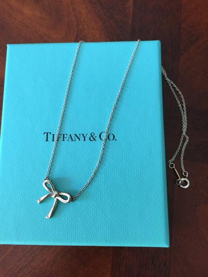 Tiffany & Co. Tiffany's silver necklace with a bow pendant