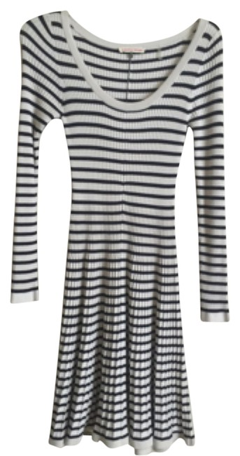 Preload https://item2.tradesy.com/images/above-knee-short-casual-dress-size-8-m-5297821-0-0.jpg?width=400&height=650