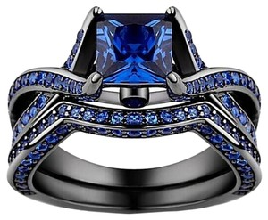 Tamano Black Gold Blue Zircon Ring