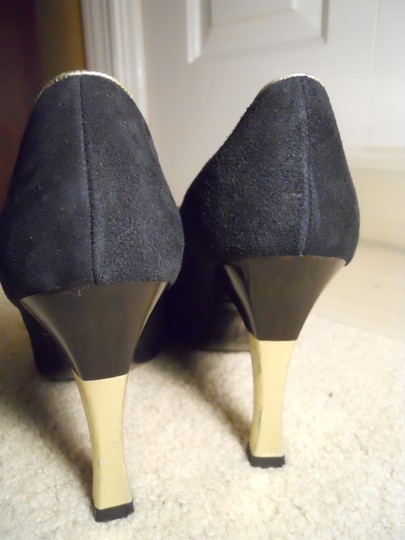 Charles Jourdan Leather Suede Art Deco black & gold Pumps Image 6