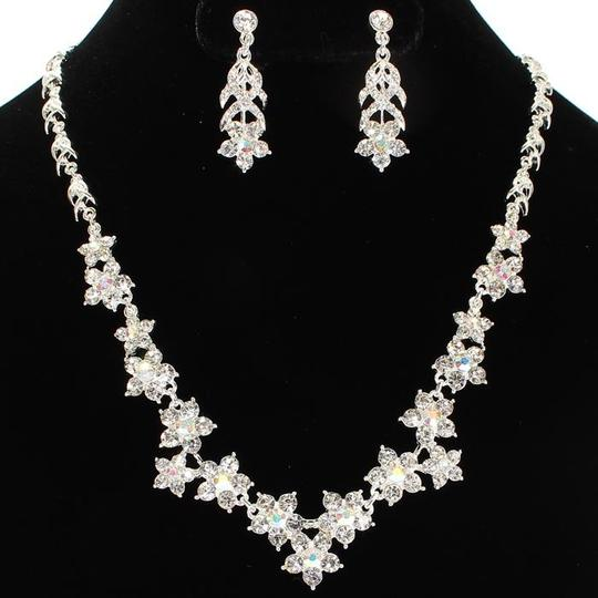Silver Bridesmaids Rhinestone Flower Necklace and Earring Set Jewelry Sets