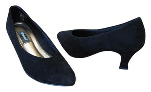 Ellemenno Very Good Condition Size 7.50 M Black Pumps