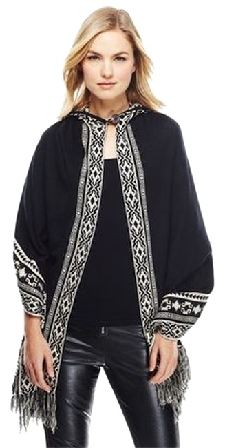 Preload https://item5.tradesy.com/images/flying-tomato-blackwhite-aztec-poncho-sweaterpullover-size-10-m-5303524-0-0.jpg?width=400&height=650