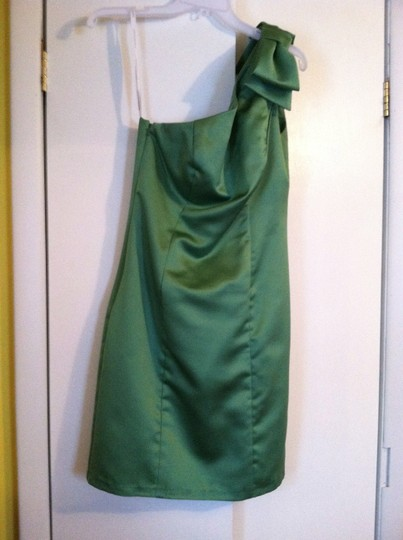 David's Bridal Clover Satin Formal Bridesmaid/Mob Dress Size 6 (S)