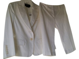 BCBGMAXAZRIA 2 Piece SHORTS SUIT
