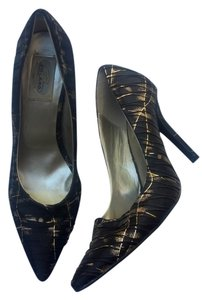Summer Rio Heels Formal Spike Fabric Designer black/gold Pumps