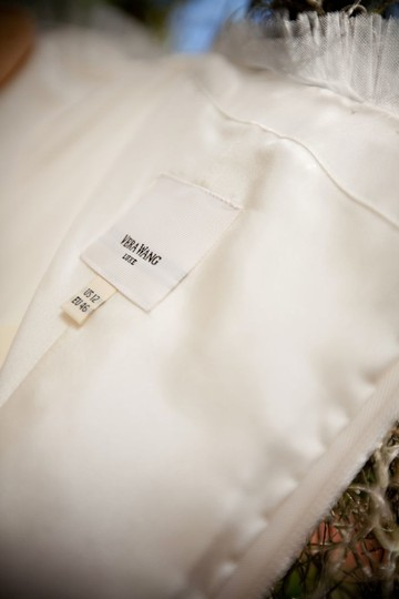 Vera Wang Ivory French Tulle Briana Traditional Wedding Dress Size 6 (S) Image 4