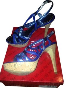 Guess blue multi Pumps