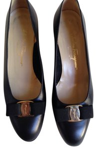 Salvatore Ferragamo Vara Grosgrain Italian Black Pumps