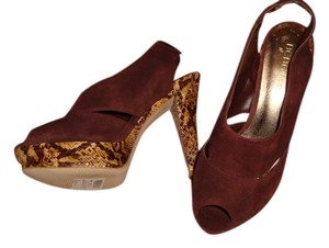 BCBG Brown and Tan Pumps
