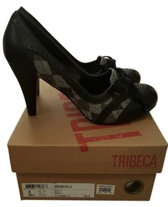Tribeca by Kenneth Cole Black Pumps
