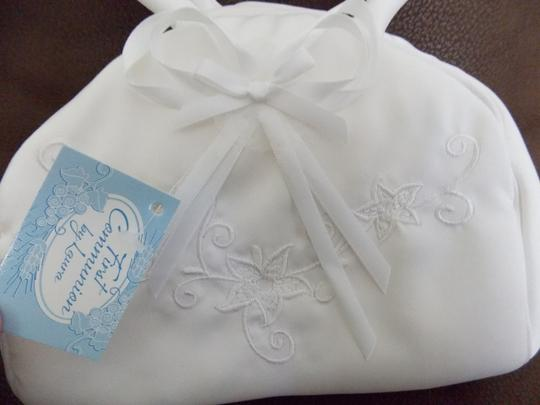 New In Box Embroidered Flower Girl Or First Communion Purse
